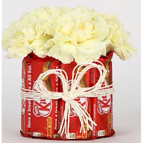 Kitkat-Carnation Valentine Arrangement
